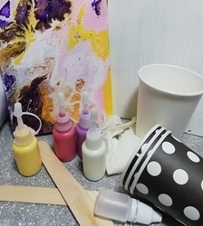Picture of ACRYLIC FLUID ART FLIP CUP KIT