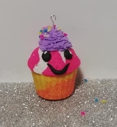 Picture of POLYMER CLAY CUPCAKE CHARM KIT