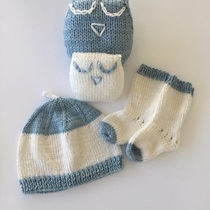 Picture of Hat, Sock  and Comfort Toy Set - Newborn